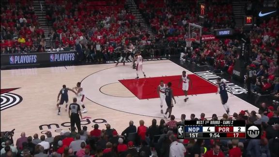 E'Twaun Moore drills the three in the first quarter
