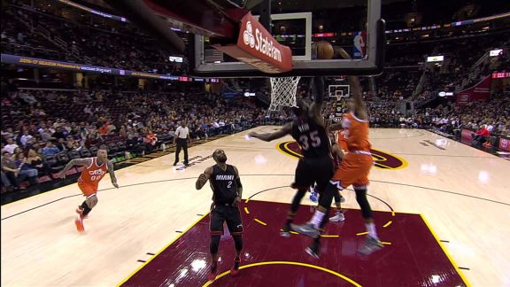 Reed Defends the Rim