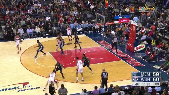 Oubre Jr. No-Look And-One Layup