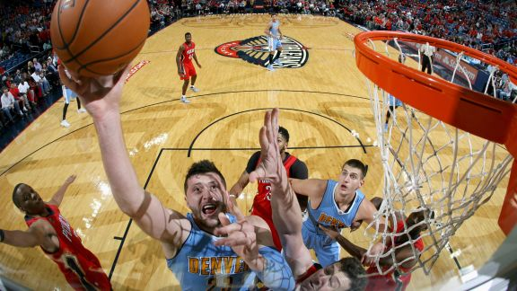 Nuggets Escape Pelicans