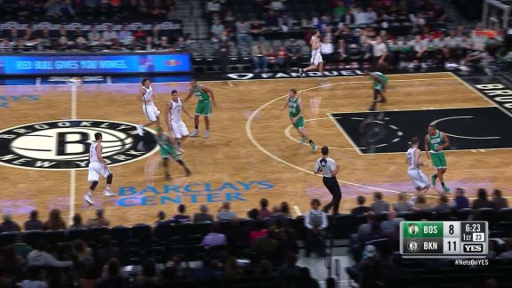 Lin Takes it All the Way For the Reverse Layup