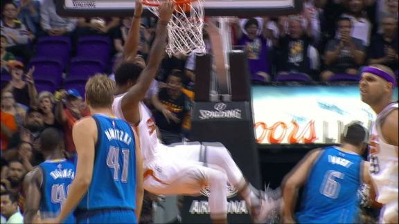 Marquese Chriss Throws Down Vicious Dunk vs. Mavs