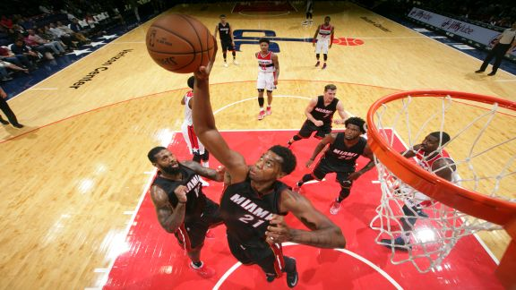 Whiteside's Double-Double Lifts Heat Over Wizards